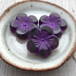 22mm Hibiscus Flower Purple with An Etched Finish - 1 Bead