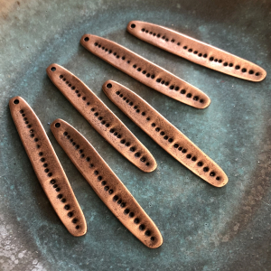 Dotted Skinny Oval - Copper Antique Plated 49 x 8mm