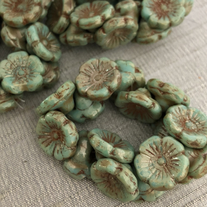 12mm Button Flower Fern with Picasso Finish