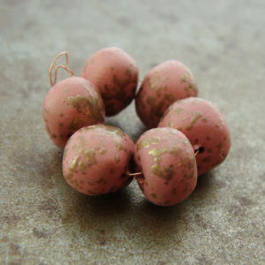 Speckled Peach Bead Wobbles