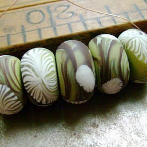 Lime Branches Disk Beads