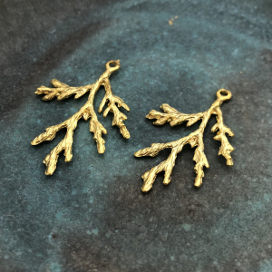 Juniper Pendant Antique Gold