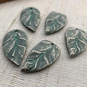 Renaissance Leaf Pendant