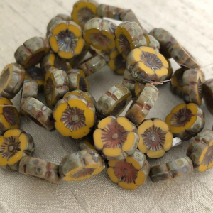 12mm Hibiscus Flower Yellow Gold with Picasso Finish